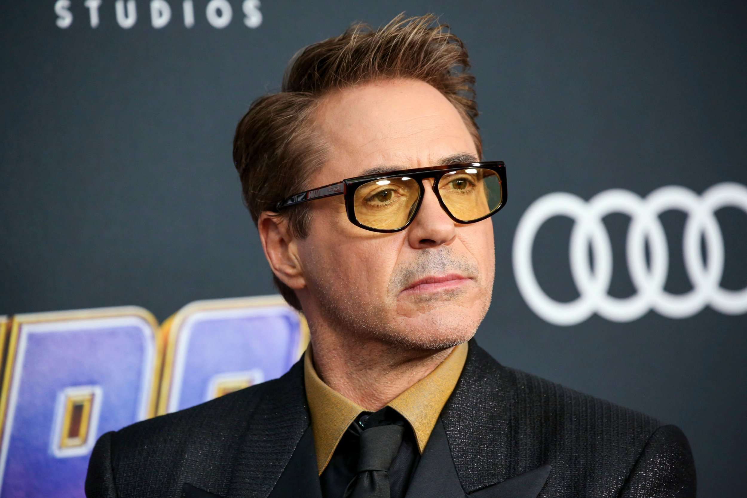 robert-downey-jr-having-a-crisis-about-the-environment-and-pledges-to-clean-it-up-with-robots.jpg