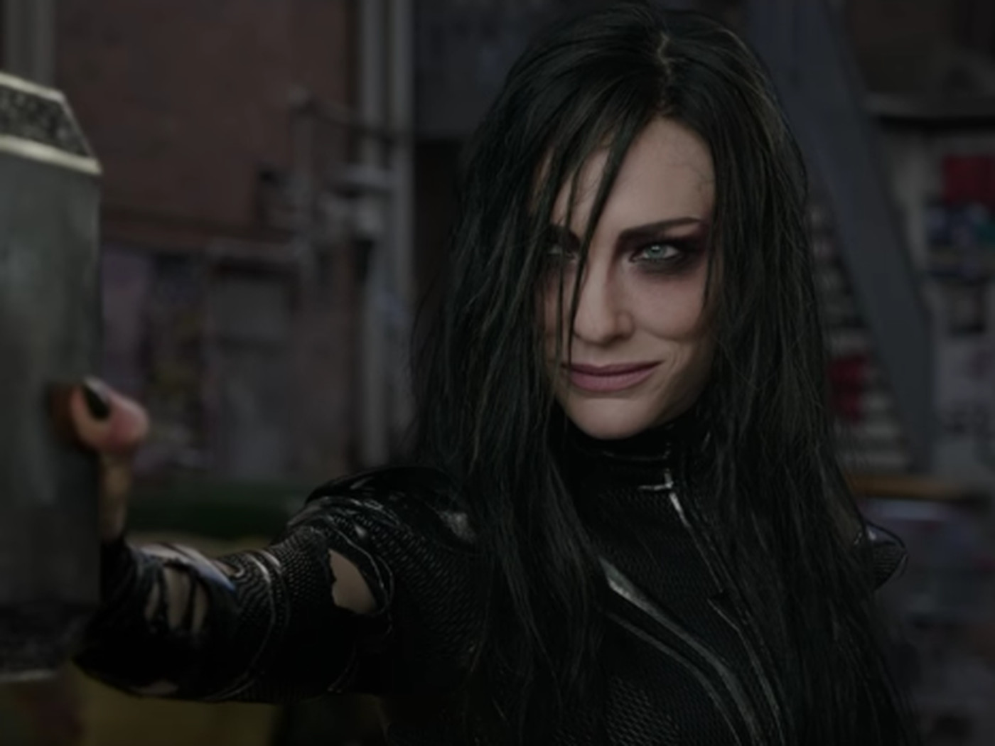 hela-stopping-the-mjolnir.png