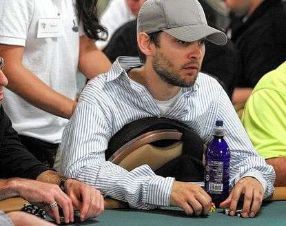 tobey-maguire-80000-settlement-in-poker.jpg