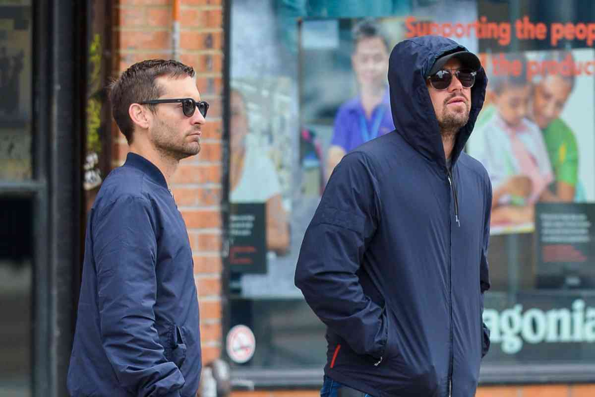 tobey-maguire-and-leo.jpg