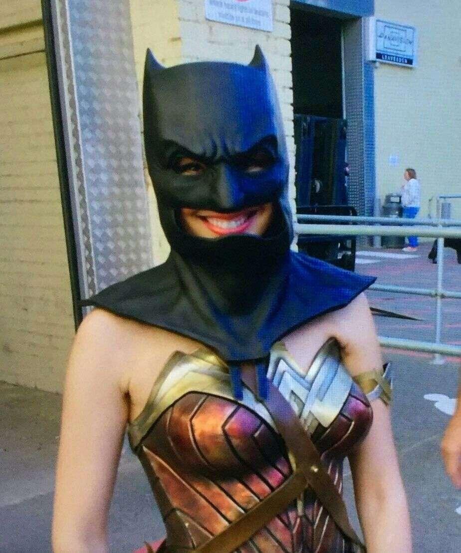 wonder-woman-batman-mask.jpg