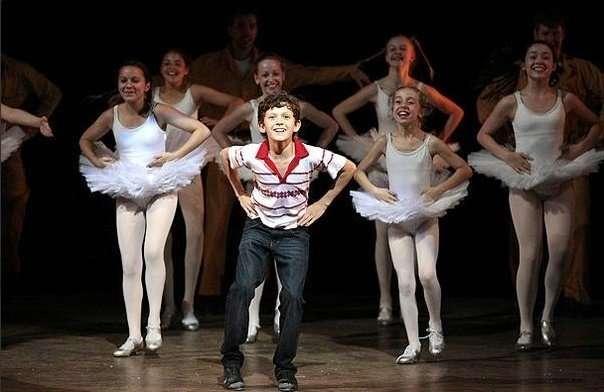 Tom-Holland-in-Billy-Elliot-the-musical.jpg