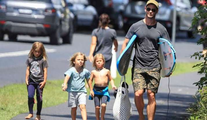 chris-hemsworth-wih-his-kids.jpg