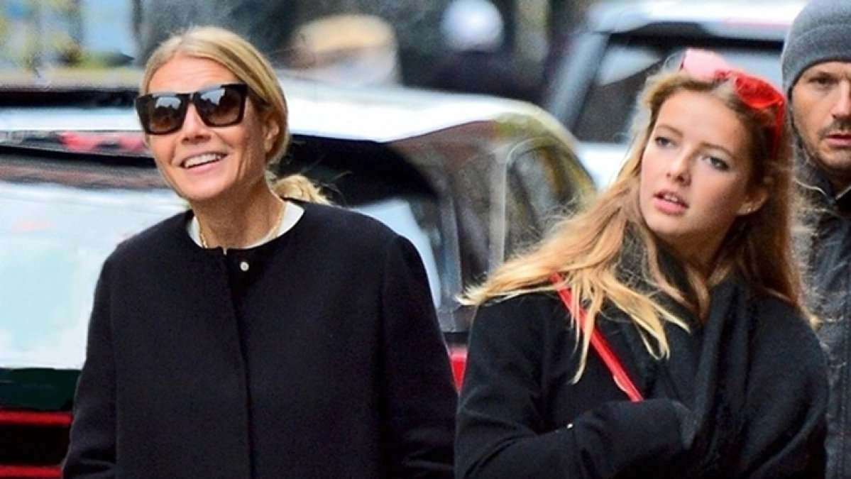 Gwyneth Paltrows Daughter Reacts to Nude Birthday Post of