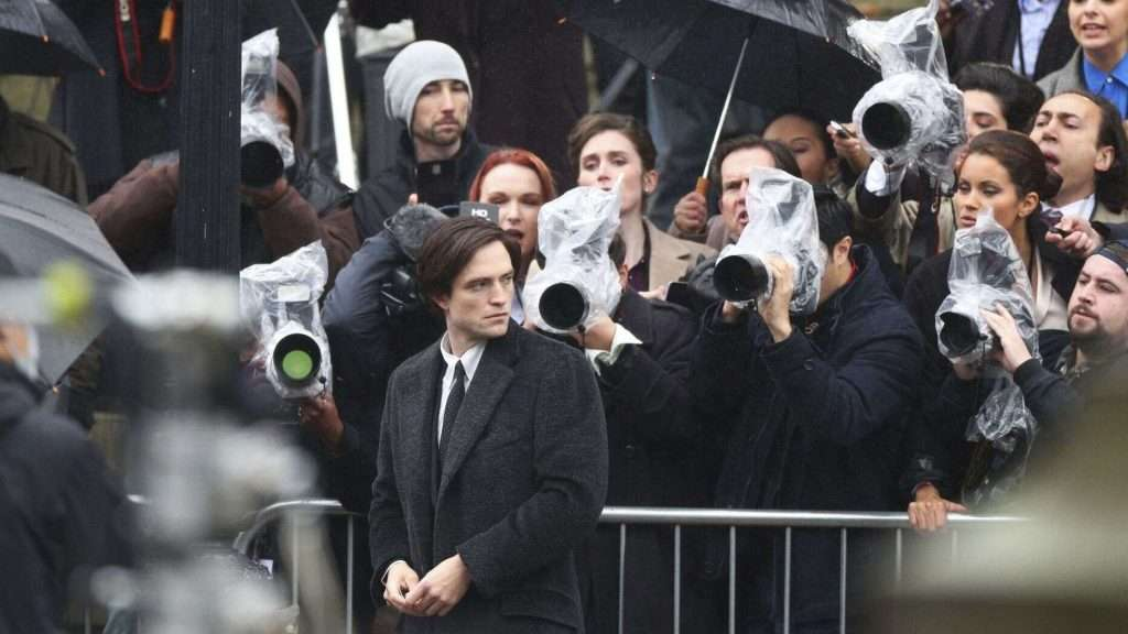 Robert-Pattinson-Batman-set.jpg