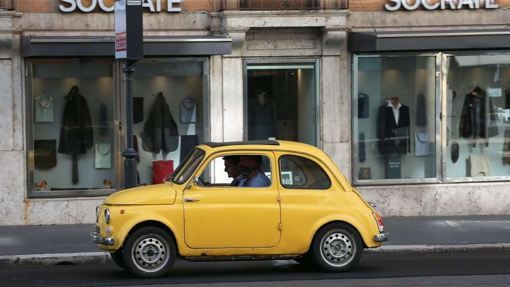 ethan-hunt-finds-himself-in-a-yellow-fiat-in-mission-impossible-7.jpg